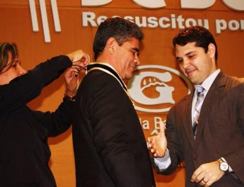 Pr. Gilmar Garbero recebe Medalha e Reconhecimento